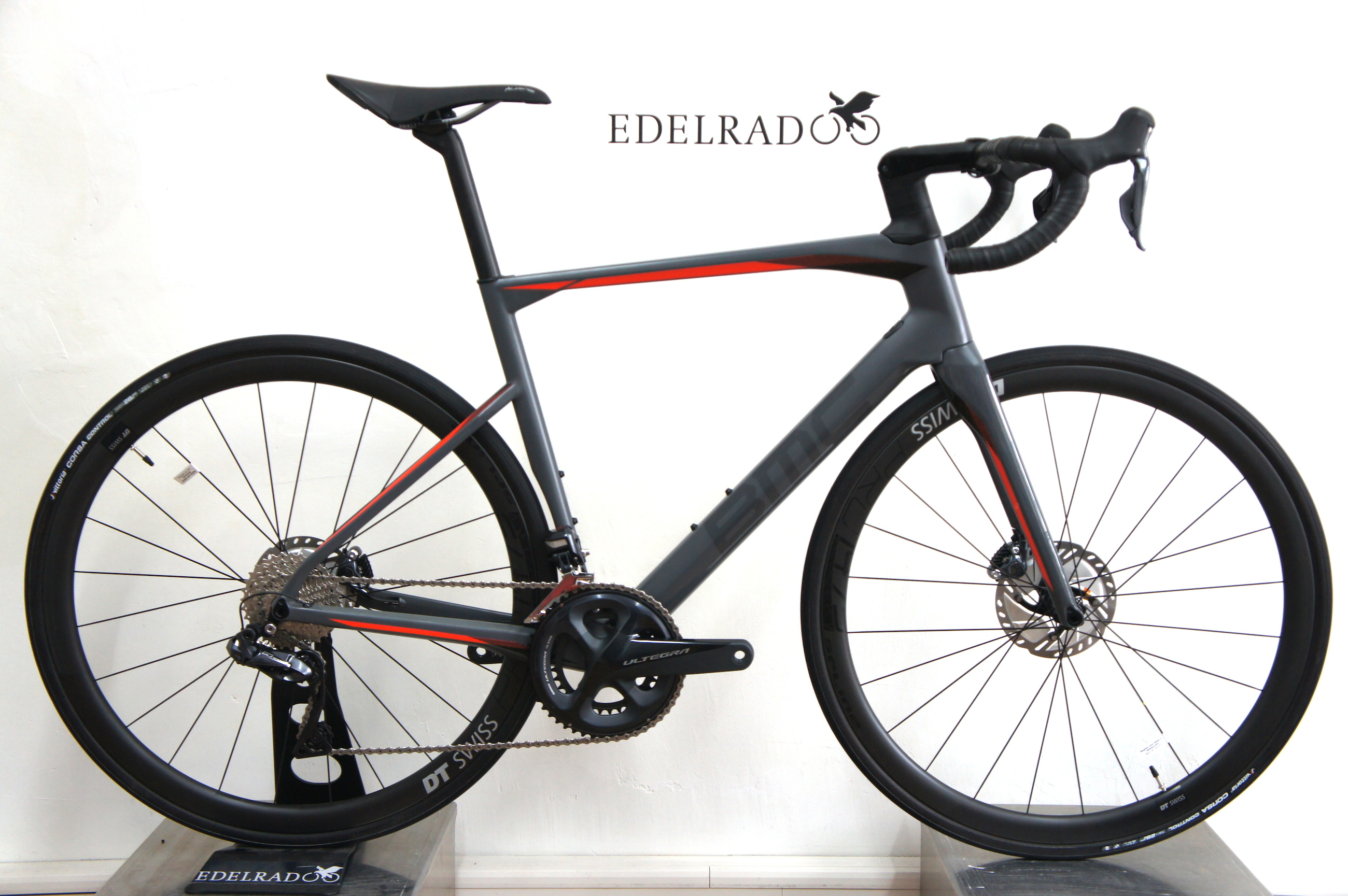 dccbdf7603e Preview: BMC Roadmachine 01 THREE 2019 RM01 Ultegra Di2 ...
